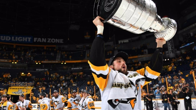 Pens Sign Brian Dumoulin to Six Year Extension